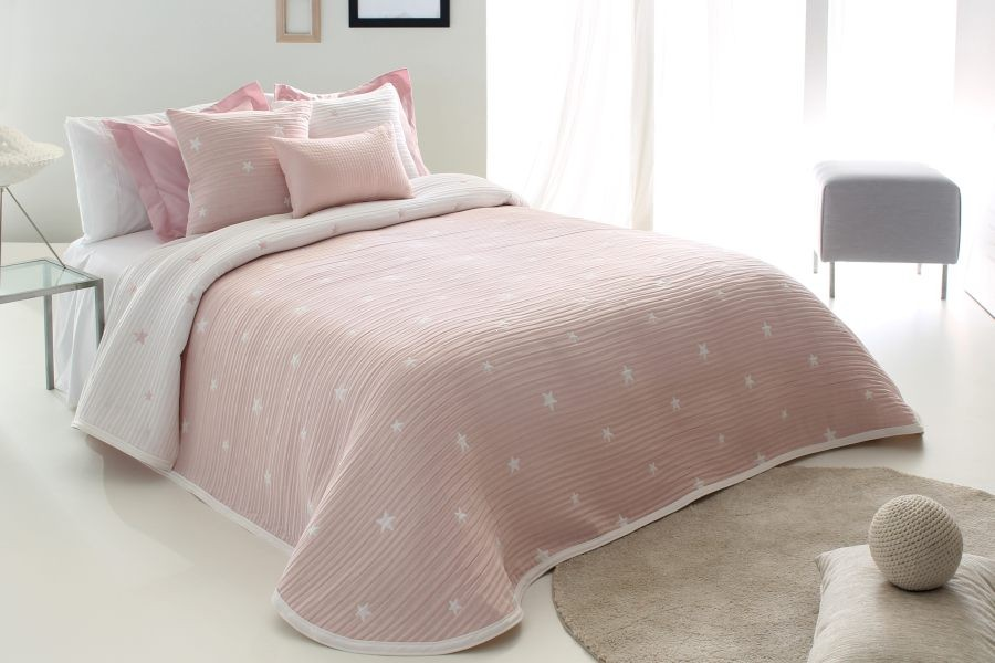 Cuvertura de pat DEMPSY roz, dimensiune 250 cm x 270 cm 2021 perdele-online.ro