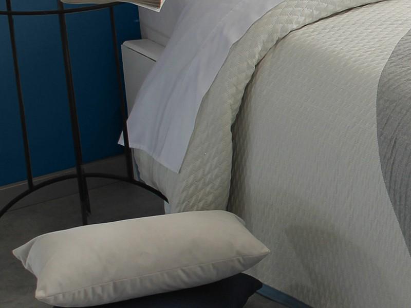 Perna decorativa VENICE ivory dimensiune 30 cm x 50 cm perdele-online.ro 2021