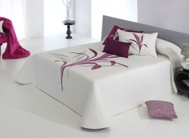 Cuvertura de pat LYNETTE purple, dimensiune 235 cm x 270 cm