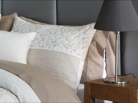 Perna decorativa CREAM bej, dimensiune 50 cm x 70 cm